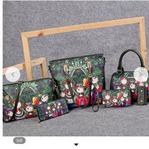 Mei & Ge Hunter Green Womens Cartoon 5 Pc Bag Set